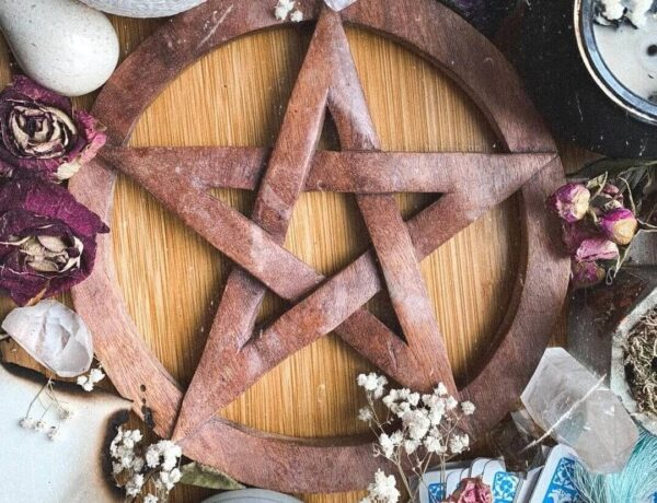 Wicca VS Witchcraft